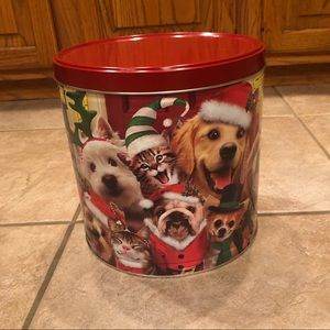 Other - ♦️ 5 for $25! ♦️Pets circle tin round can with lid